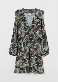 H&M H & M - Patterned Dress with Flounce - Black