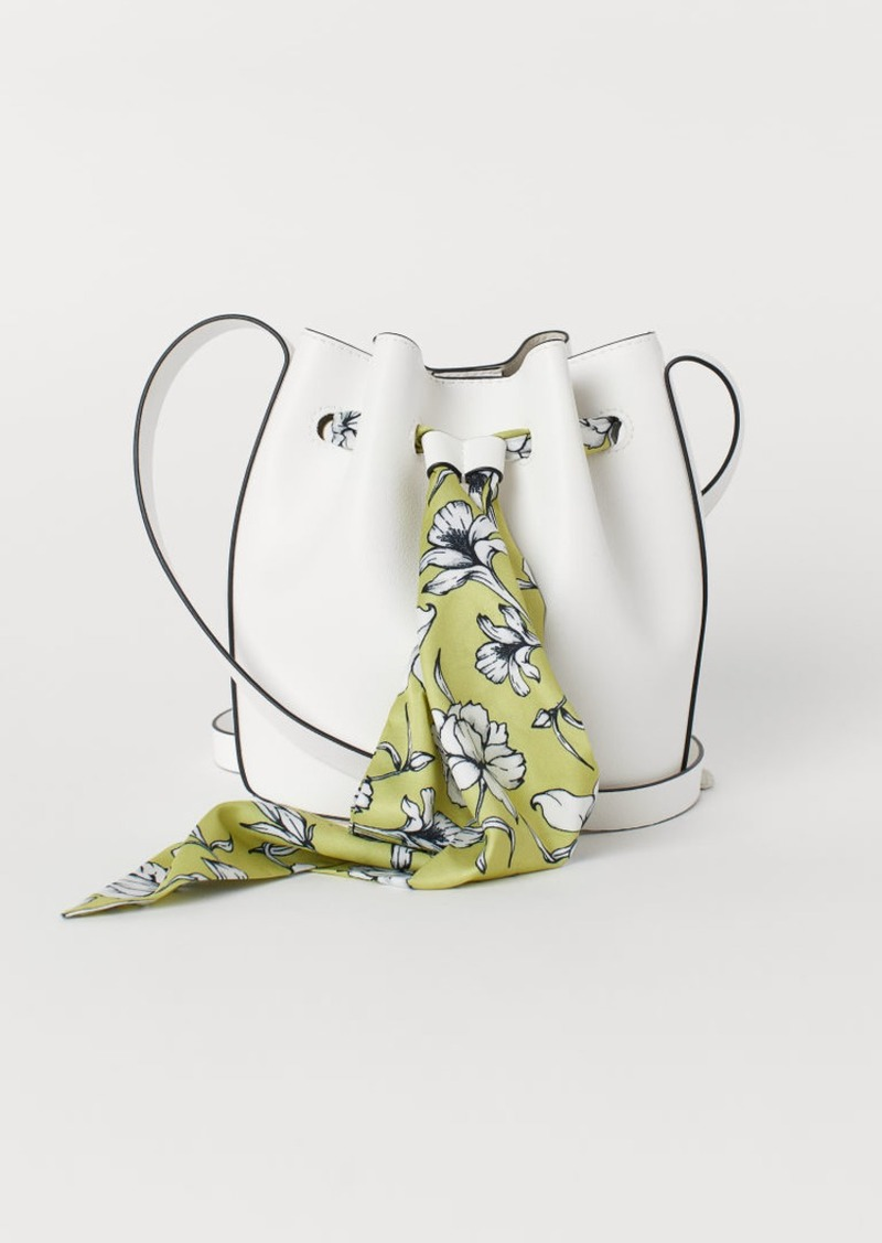 H&M H & M - Small Bucket Bag - White