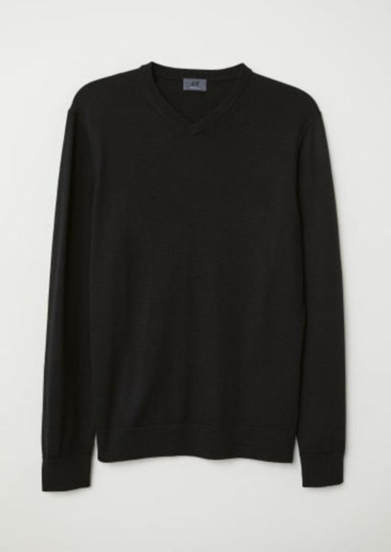 H&M H & M - V-neck Merino Wool Sweater - Black