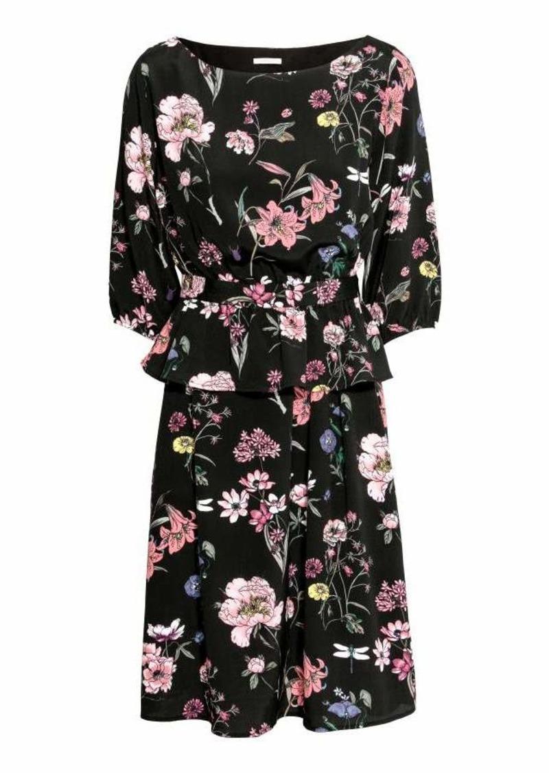 41845219f23 SALE! H M H   M - MAMA Nursing Dress - Black floral - Women
