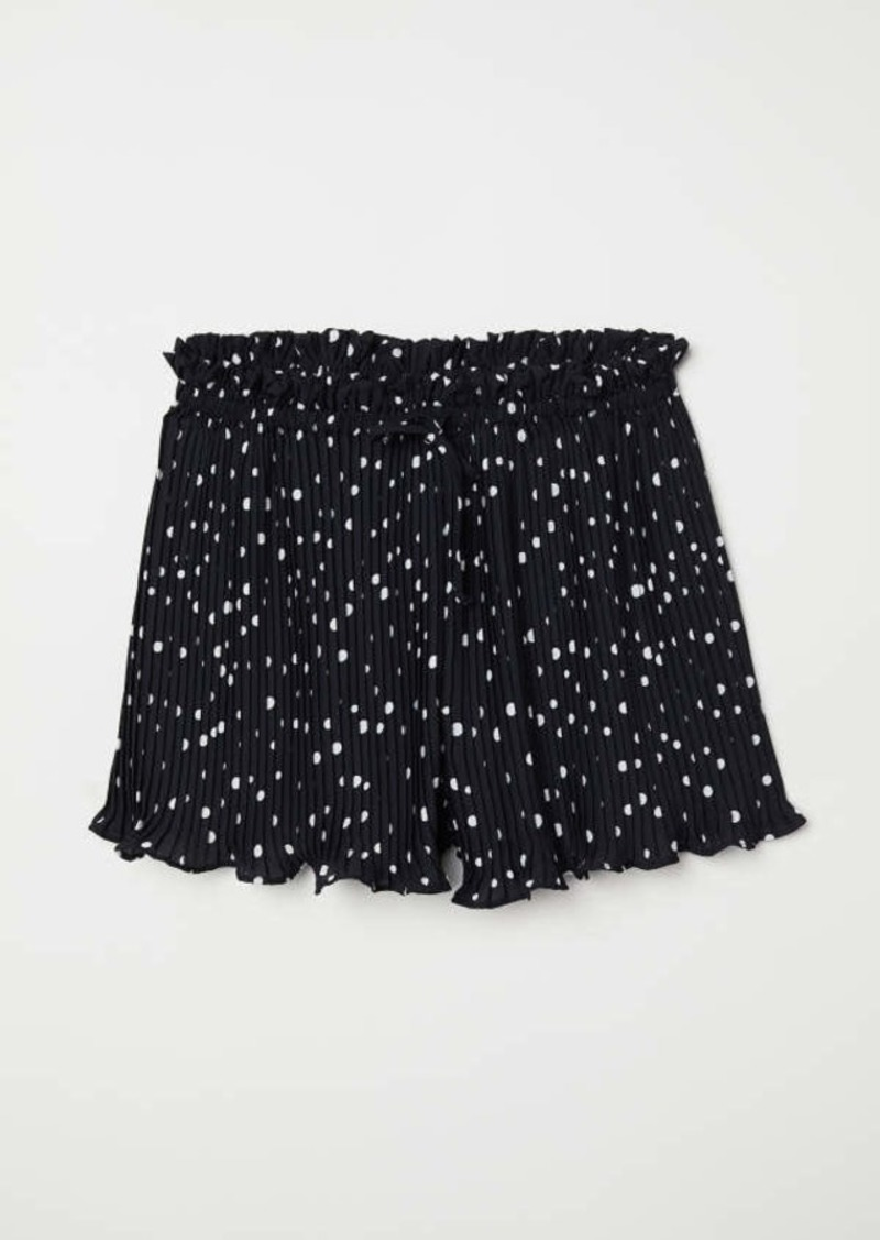 4d9e8c5ce9 H&M H & M - Pleated Shorts - Black/white dotted - Women | Shorts