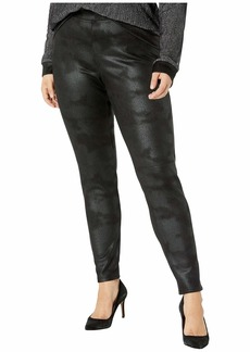 Hue Plus Size Textured Microsuede Leggings