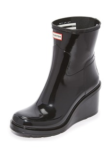 Hunter Boots Refined Mid Wedge Glossy Booties