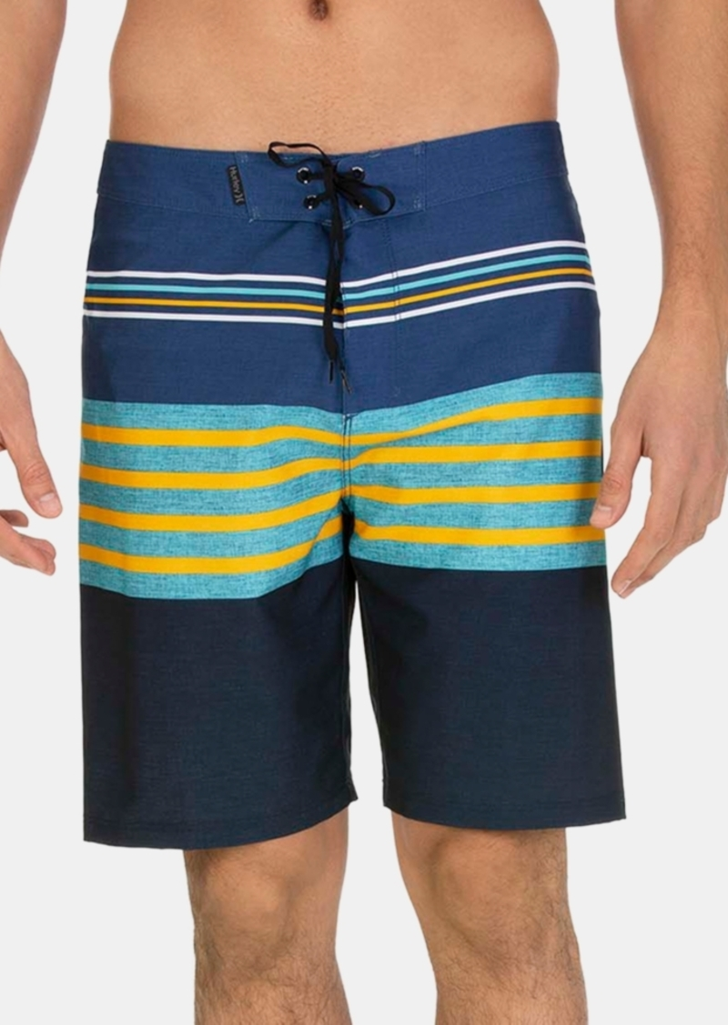 """Hurley Men's Outrigger 20"""" Graphic Board Shorts"""