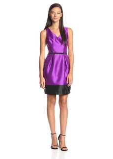 Ivy & Blu Women's Sleeveless V-Neck Belted Dress