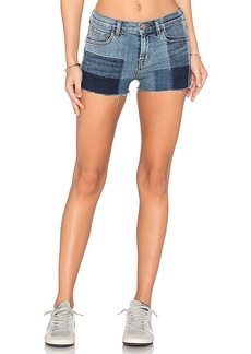 J Brand 1044 Mid Rise Short. - size 23 (also in 24,25,27,28,30)