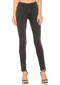 J Brand 811 Pintuck Skinny. - size 23 (also in 24,25,26,27,28,29,30)