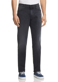 J Brand Kane Straight Slim Fit Jeans in Kurrat