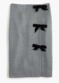 Bow seam pencil skirt in double-serge wool