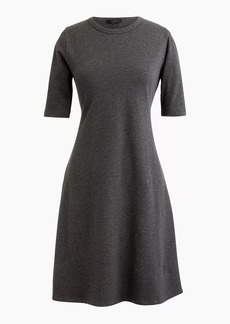 Short-sleeve knit dress