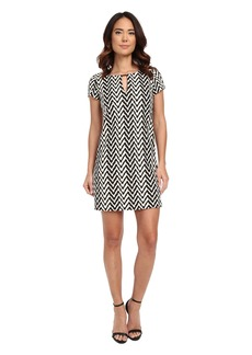 Jessica Simpson Short Sleeve Printed Shift Dress with Metal Neck Detail
