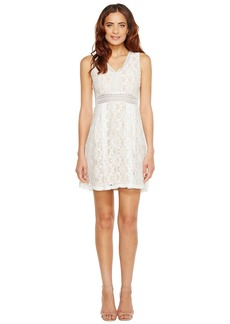 Jessica Simpson Sleeveless V-Neck Lace Dress JS7A9343