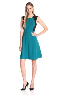 Kasper Women's Sleeveless Crepe Color Block Bodice Dress