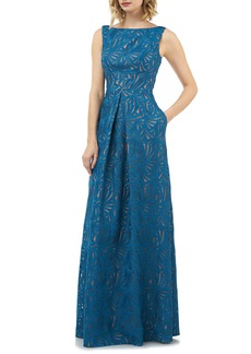 Kay Unger New York Kay Unger McKenna Pleat Lace Gown