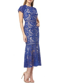 Kay Unger New York Short Raglan-Sleeve Lace Dress with Flounce Hem