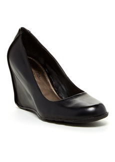 Kenneth Cole Did U Tell Wedge Pump