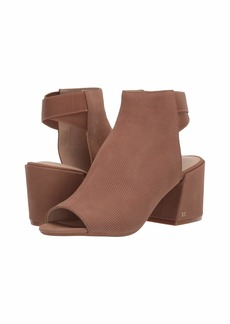 Kenneth Cole Hannon Shootie Perf