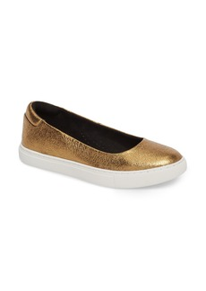 Kenneth Cole New York Kassie Flat (Women)