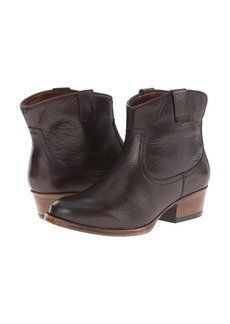 Kenneth Cole Reaction Hot Step