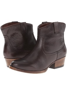 Kenneth Cole Hot Step