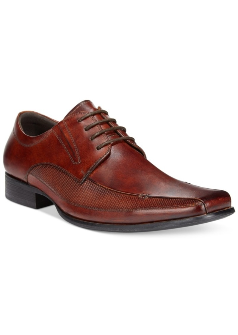Kenneth Cole + Technology Presents TECHNI-COLE Footwear - maintain the ideal microclimate comfort system for your foot. Understated and stylish, these fine leather shoes by Kenneth Cole feature an apron toe and a smooth polished upper.