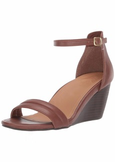 Kenneth Cole REACTION Women's 7 Cake Icing Wedge Sandal   M US