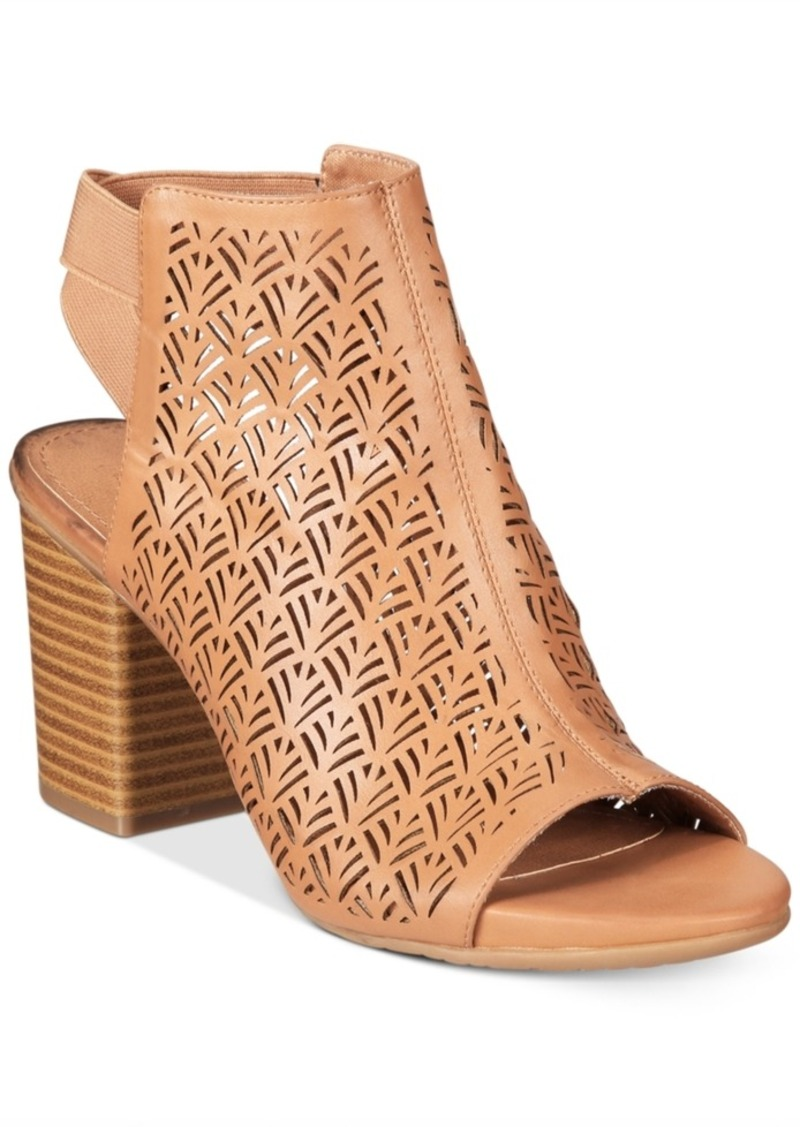 d28a5ab6c4d0 Kenneth Cole Reaction Women s Frida Fly 2 Perforated Sandals Women s Shoes