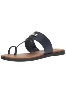 Kenneth Cole REACTION Women's Scroll in Flat Sandal with Toe Ring   M US