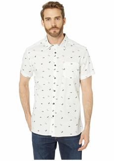Kenneth Cole Short Sleeve Sunglasses Print Shirt