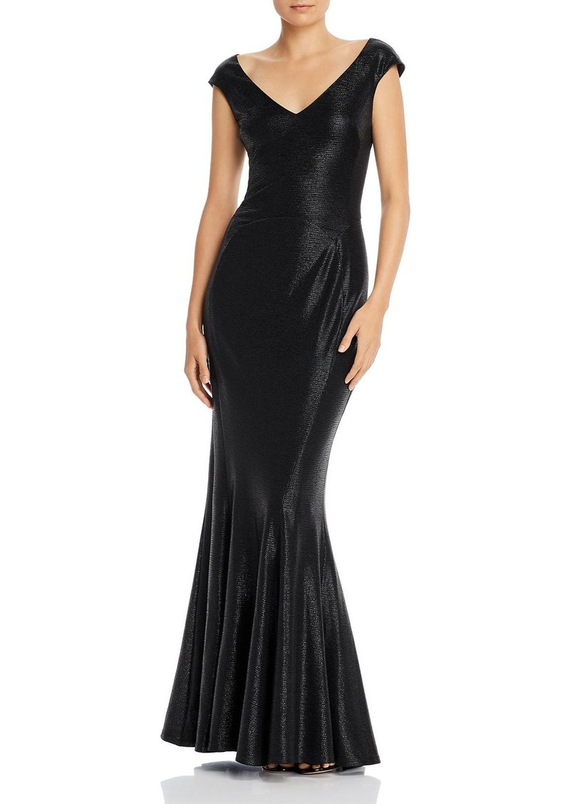 Laundry by Shelli Segal Liquid Matte Gown