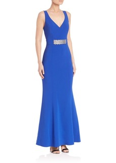 Laundry by Shelli Segal PLATINUM Halloway Stretch Crepe Gown