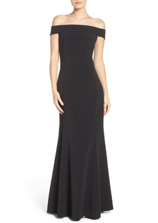 Laundry by Shelli Segal Stretch Crepe Fit & Flare Gown