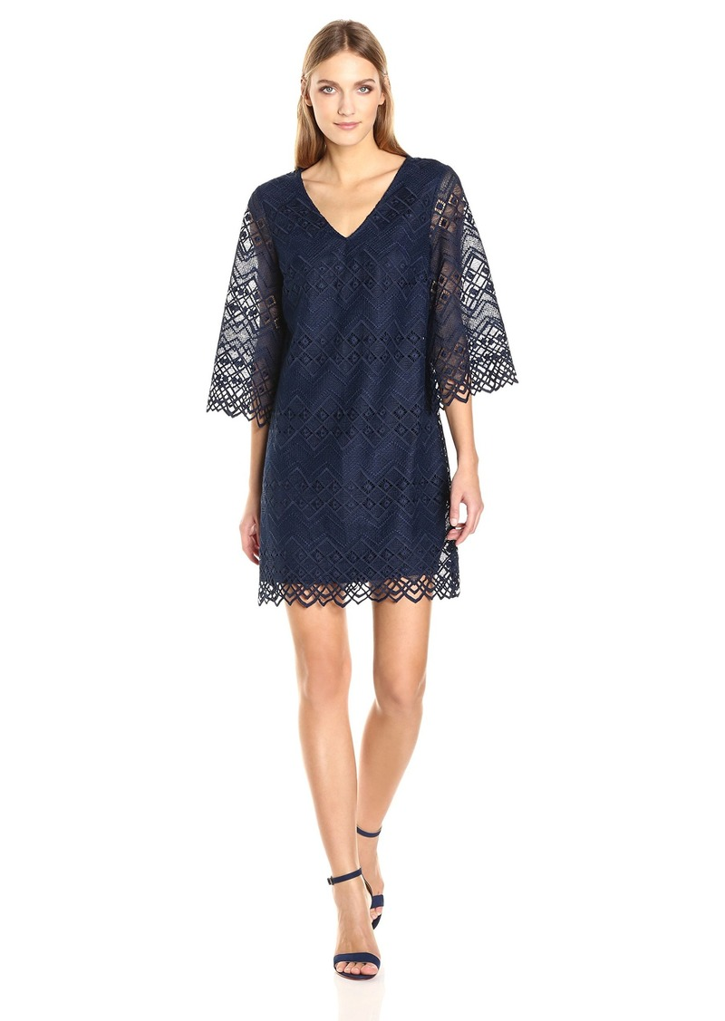 Laundry by Shelli Segal Women's Bell Sleeve Lace with Scallop Hem