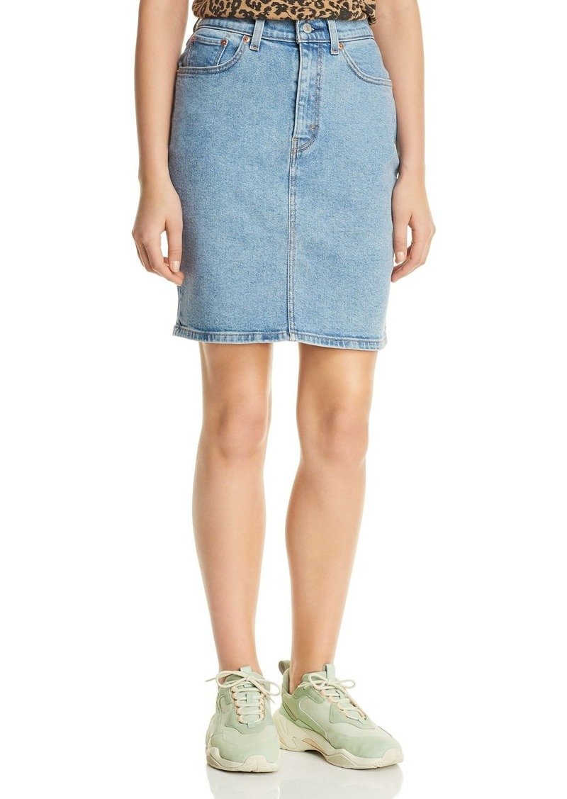 83ecec4f5 Levi's Levi's Core Denim Skirt in Mid Race   Skirts