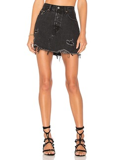 LEVI'S Deconstructed Skirt. - size 24 (also in 25,26,27,29)