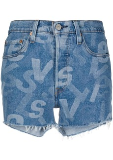 Levi's logo print shorts