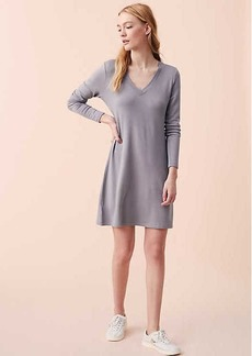 Lou & Grey Signaturesoft V-Neck Dress