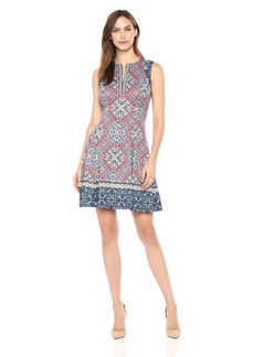 Maggy London Women's Carpet Medallion Printed Scuba Fit and Flare Soft White/red
