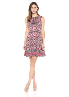 Maggy London Women's Flowe Leaf Medallion Scuba Fit and Flare