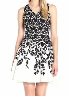 Maggy London Women's Sleeveless V-Neck Fit & Flare Dress