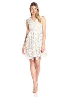 Maggy London Women's Vine Flower Lace Fit and Flare