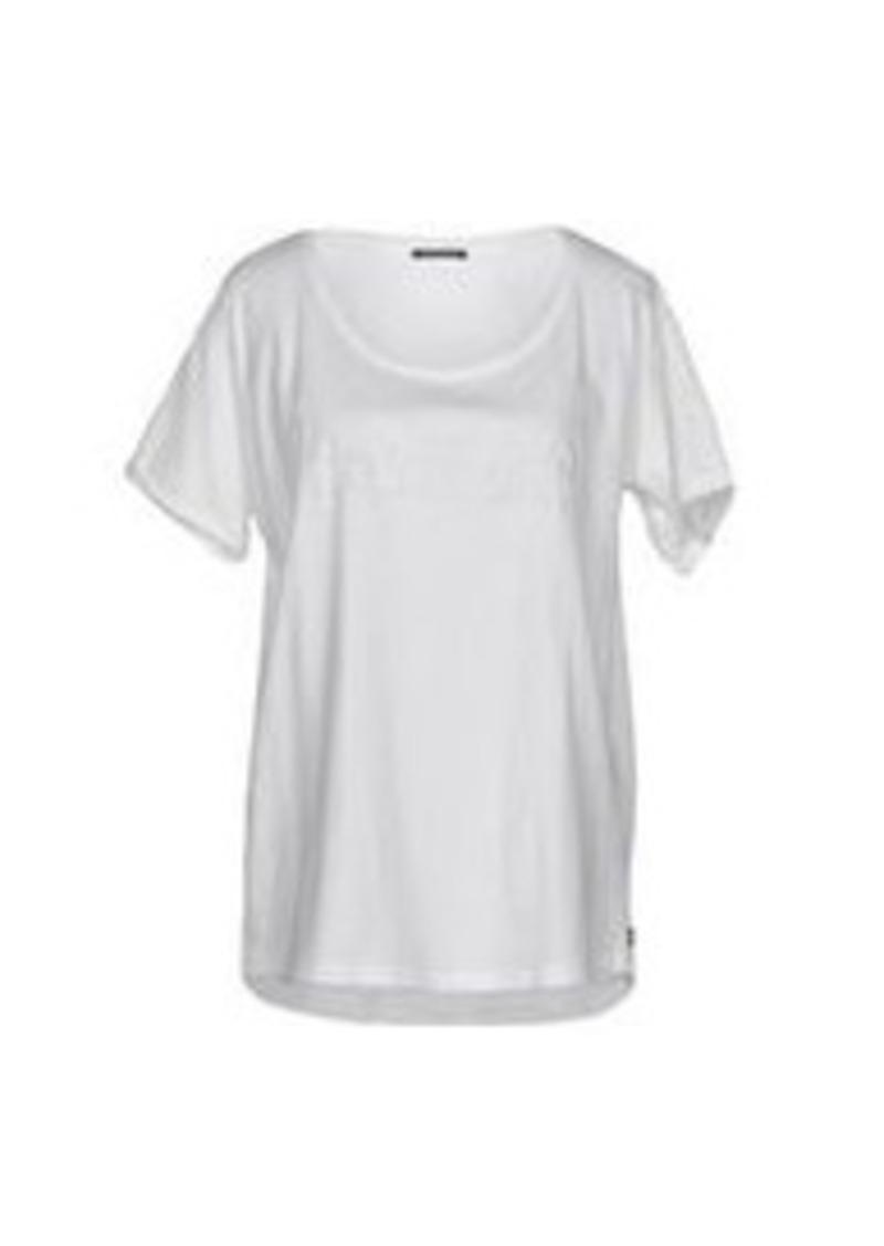 maison scotch maison scotch t shirt casual shirts shop it to me. Black Bedroom Furniture Sets. Home Design Ideas