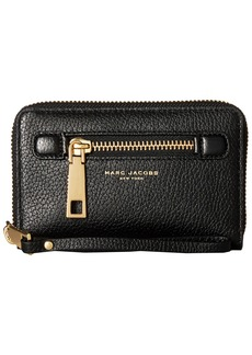Marc Jacobs Gotham Zip Phone Wristlet