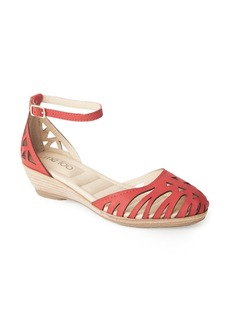Me Too Nalani Ankle Strap Sandal (Women)