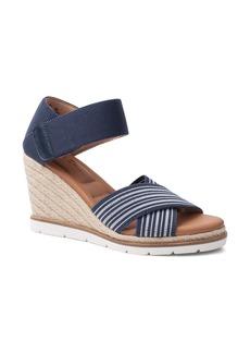 Me Too 'Gia' Gladiator Sandal