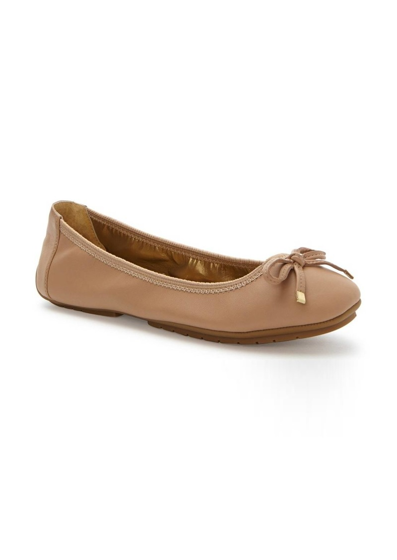7aac15a0a1 Me Too Me Too  Halle 2.0  Ballet Flat (Women)