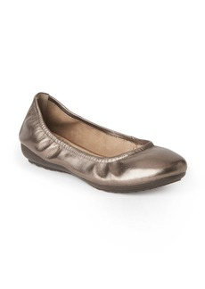 Me Too Janell Sliver Wedge Flat (Women)
