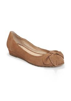 Me Too Martina Bow Ballet Wedge (Women)