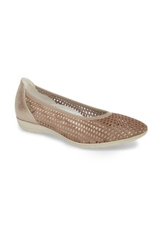 Mephisto Evelyne Perforated Flat (Women)