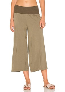 Michael Stars Cropped Culottes in Olive. - size L (also in S,XS)